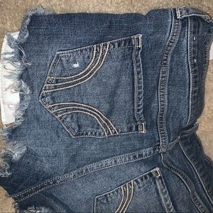 HOLLISTER JEAN SHORTS HIGH RISE SIZE 3